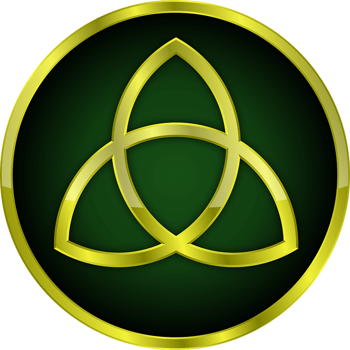 Celtic symbol of family / Celtic trinity knot.