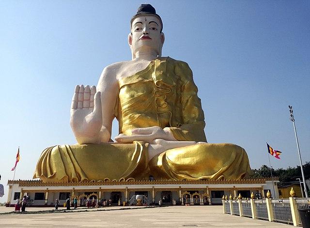 Buddha statue performing the Varada mudra.