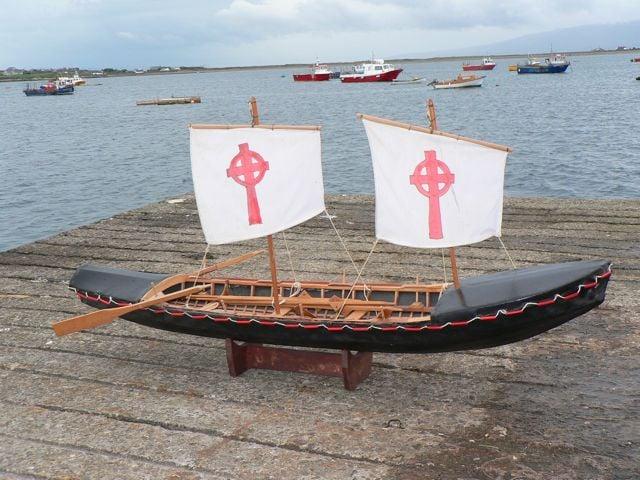 A Symbol of the son of the seas / Irish Boat.